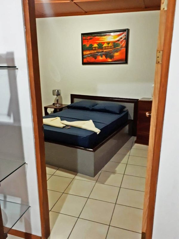 PURA VIDA APT IN MA - WIFI- AC- PARKING, vacation rental in Naranjito