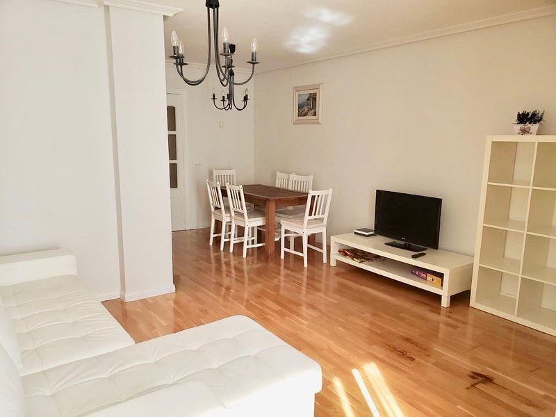 Nice apartment with terrace & Wifi, alquiler de vacaciones en La Serrada