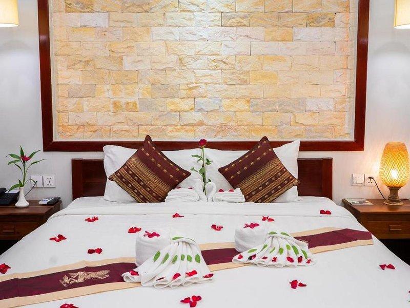 Double room in historical style Angkor, location de vacances à Sueydongkorn
