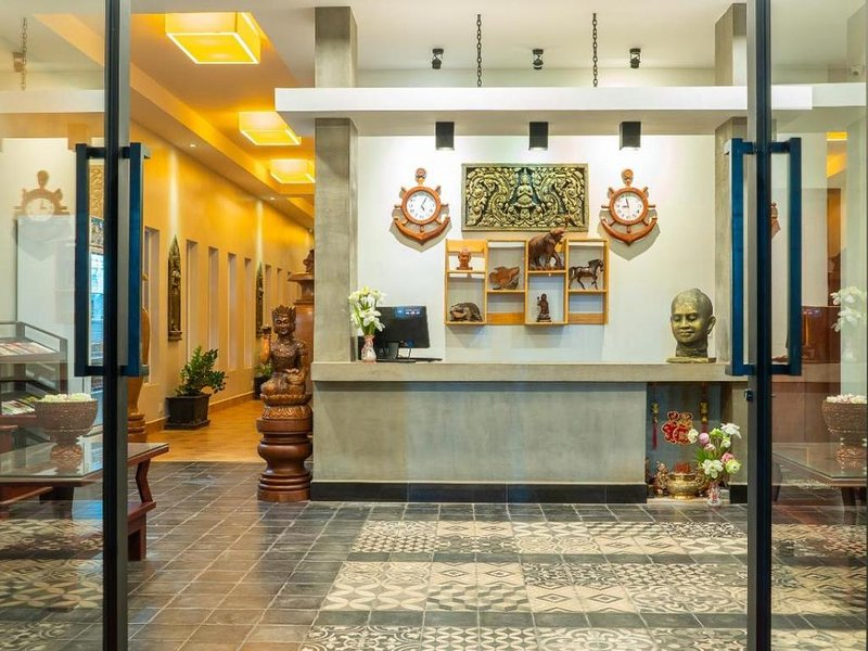 Double room in hotel historical style Angkor, location de vacances à Sueydongkorn