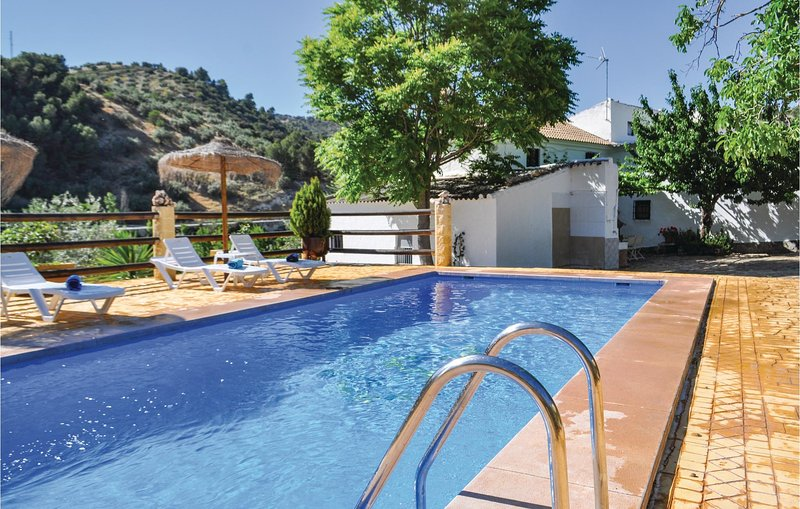 Nice home in Montefrío with Outdoor swimming pool, Outdoor swimming pool and 6, holiday rental in Algarinejo