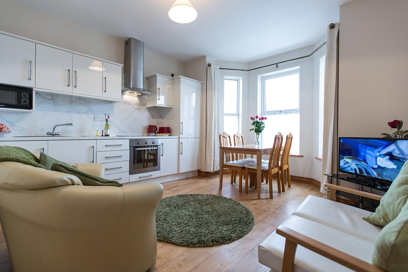 Sea Side Apartment No.1, Buncrana (Ground Floor), casa vacanza a Contea di Donegal