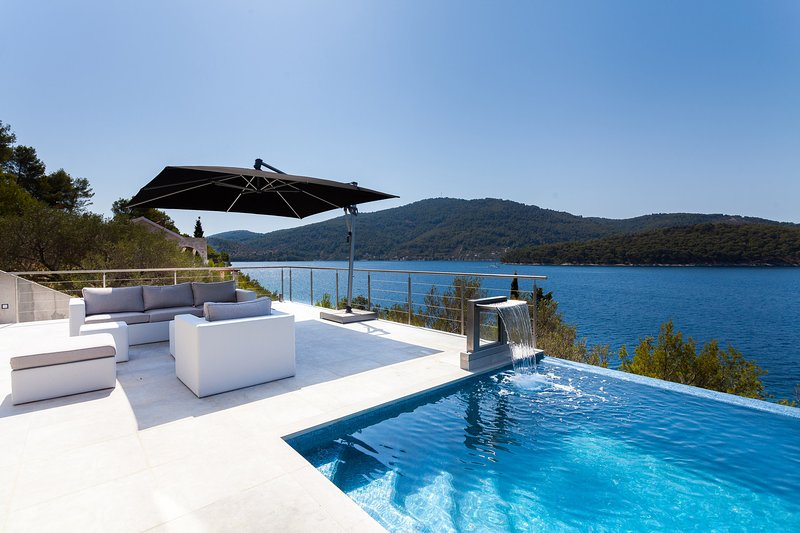 Villa Style and Sea, on the Island of Korcula, holiday rental in Potirna