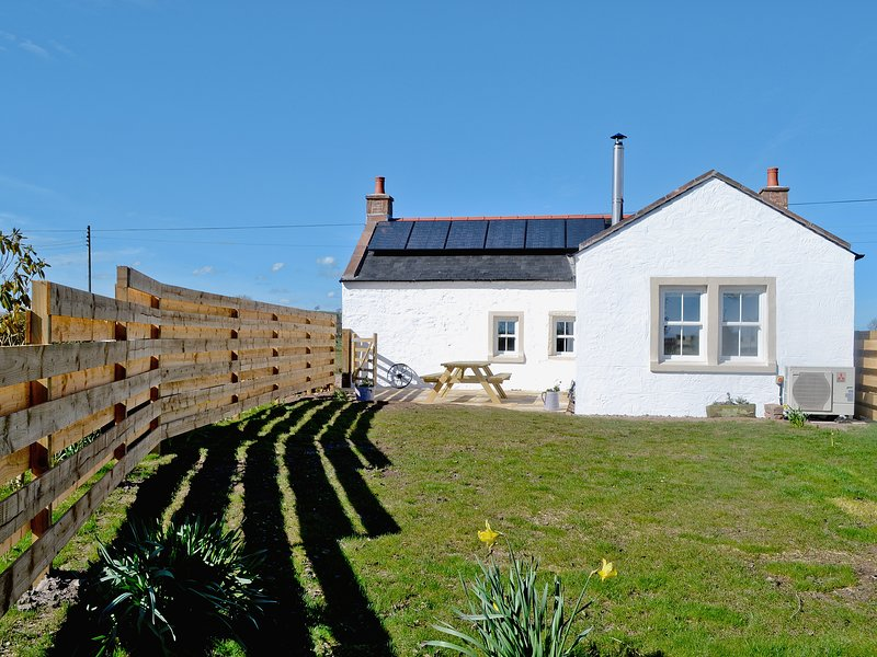 Hollins Cottage, holiday rental in New Abbey