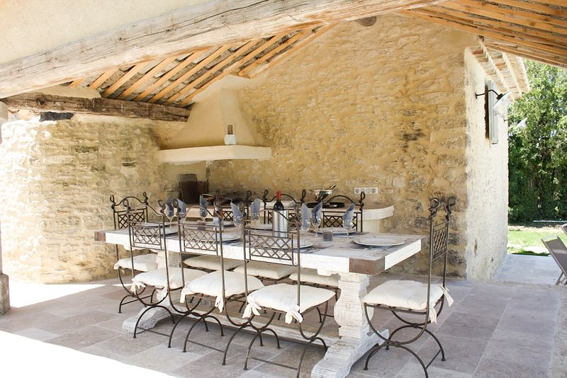 Bonnieux Villa Sleeps 8 with Pool - 5821147, holiday rental in Bonnieux en Provence