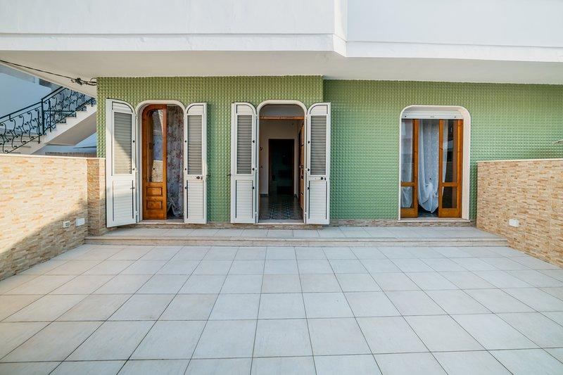 Casa spiaggia e servizi raggiungibili a piedi m507, holiday rental in Scala di Furno
