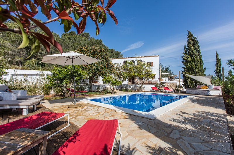Can Rosa Ibiza, private pool, 10 mins from the beach, alquiler de vacaciones en Ibiza