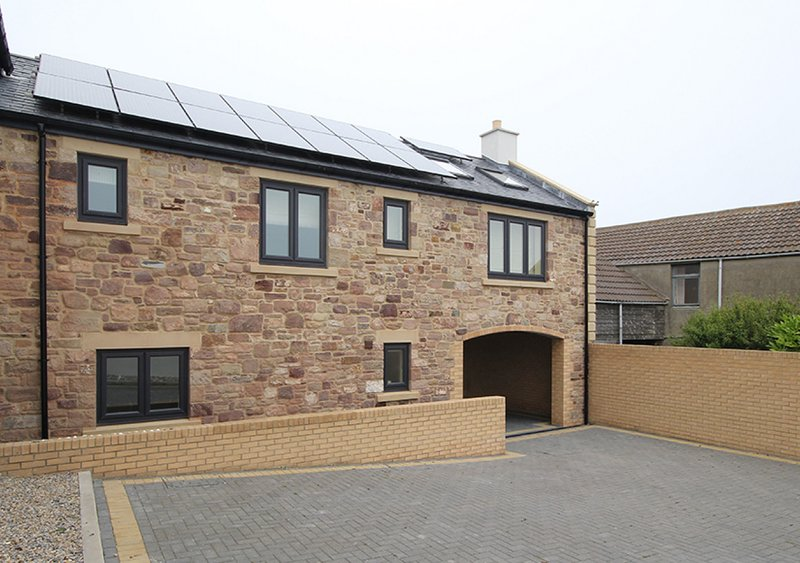 Harbour Lights House, holiday rental in Seahouses