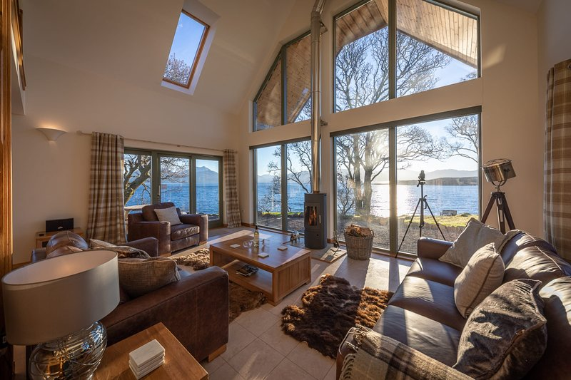 The View, Duisdale Mor,  Sleat, holiday rental in Broadford