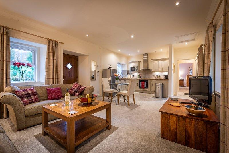 Lochsie Cottage, Peinmore House, holiday rental in Portree