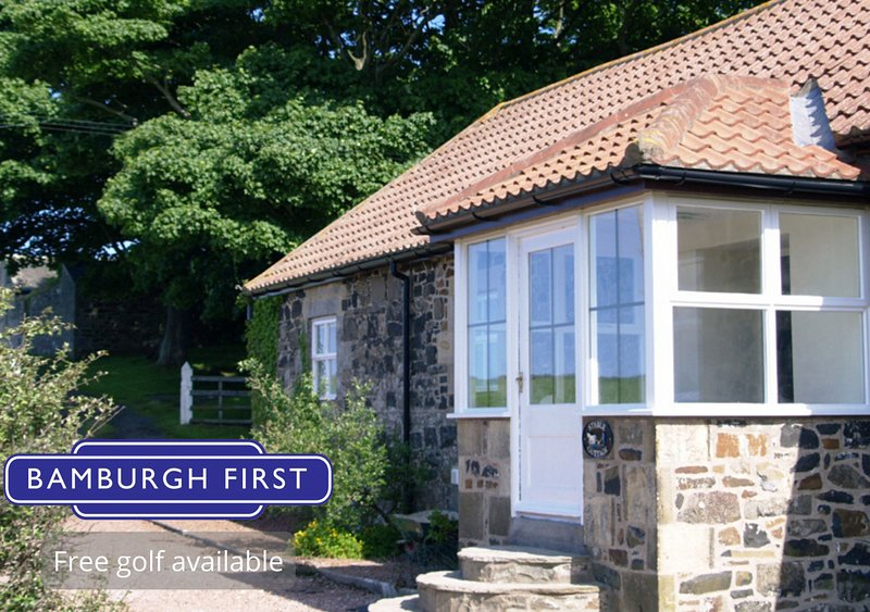 Stable Cottage, vacation rental in Bamburgh