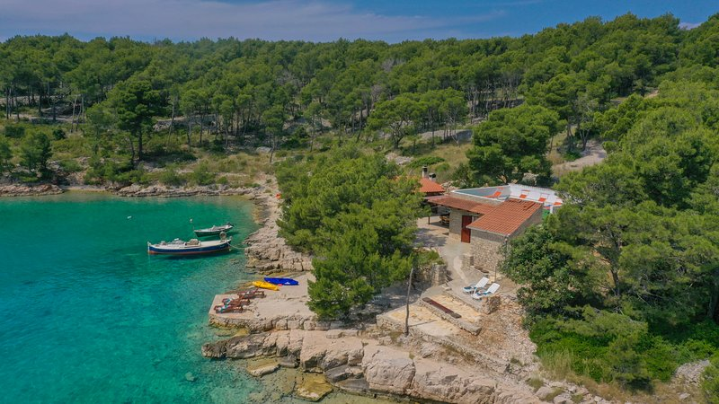 Seaside House Mirko, holiday rental in Milna