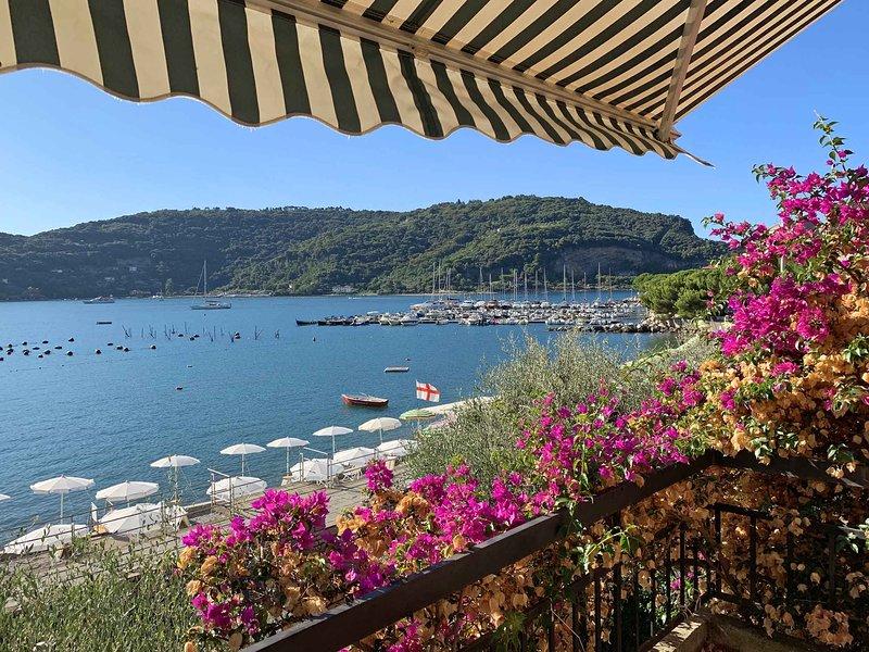 VILLA STELLA DI MARE, 6Pax WI-FI, water front, fantastic view on Palmaria island, alquiler de vacaciones en Porto Venere