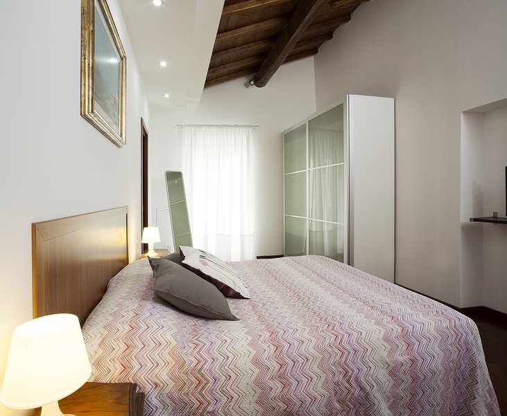 """ANTENATI"" Double room with terrace and INTERNAL PRIVATE BATHROOM with WHIRLPOOL."