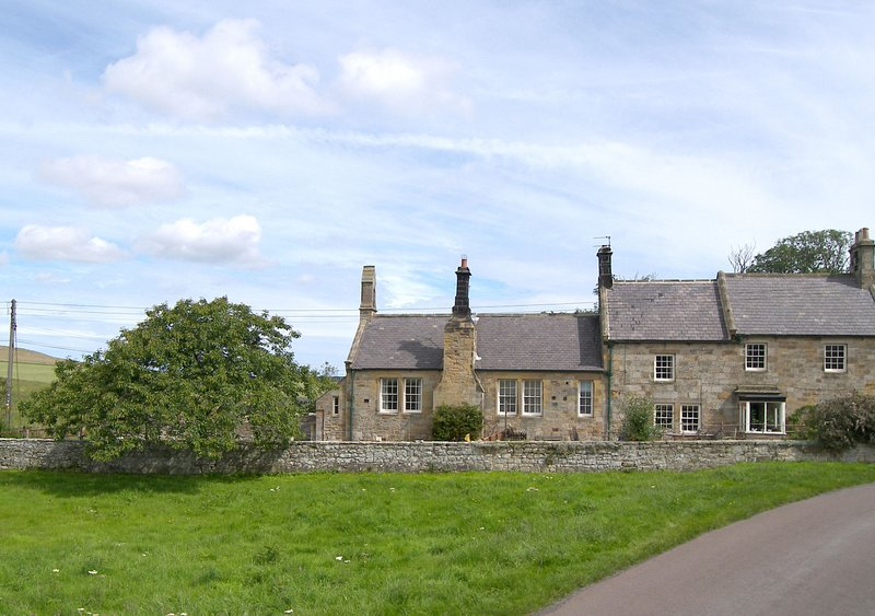 The Old School, holiday rental in Rennington