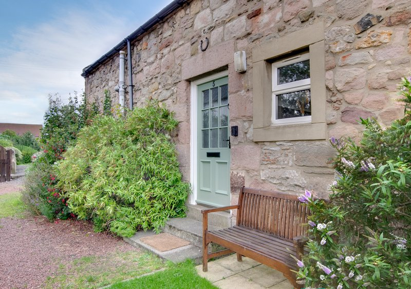 Seb's Seahouse, holiday rental in Seahouses