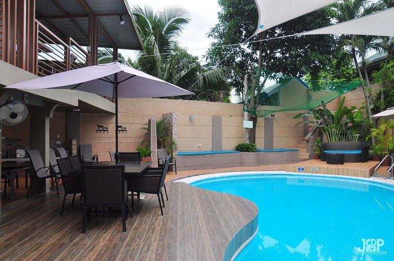 Laurens Place Hotspring Resort Los Banos, vacation rental in Calabarzon Region