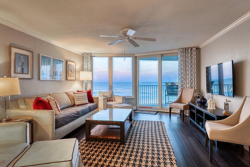 Oceanfront condo w/ a private balcony, views, shared pool, gym, & beach access, vacation rental in Ponce Inlet