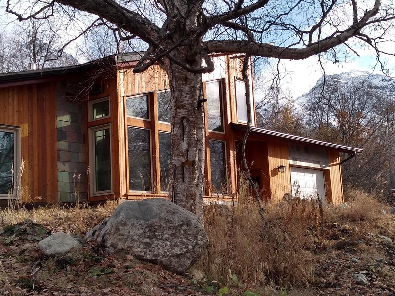 Eagle Peak Mountain house, holiday rental in Anchorage