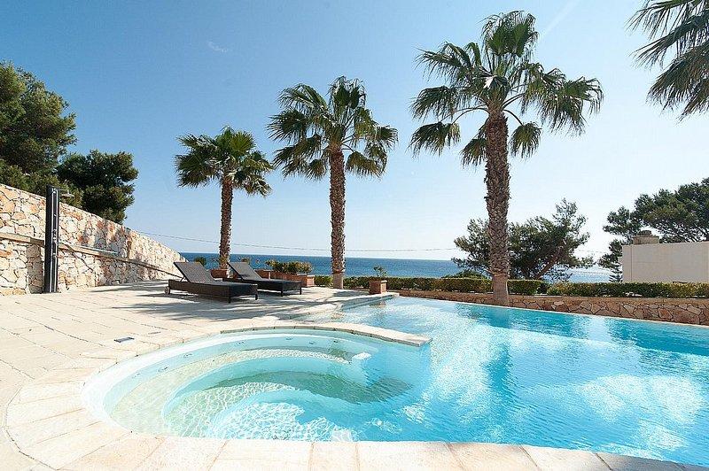 Marina San Gregorio Holiday Home Sleeps 7 with Pool - 5821647, vacation rental in Marina San Gregorio