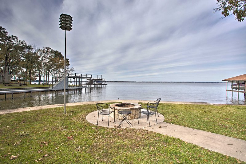 The home features an incredible waterfront location on Cedar Creek Lake.