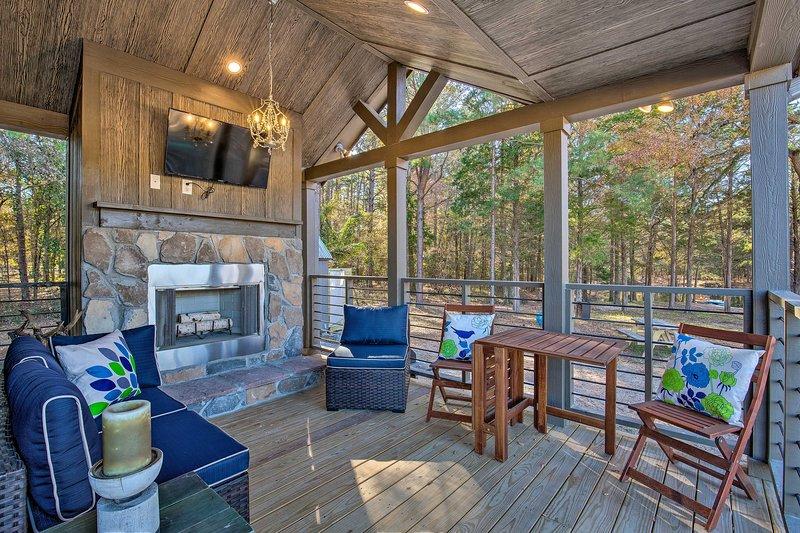 'Little Lucky Star' w/ Pond, Boat & Pasture View!, location de vacances à Winnsboro