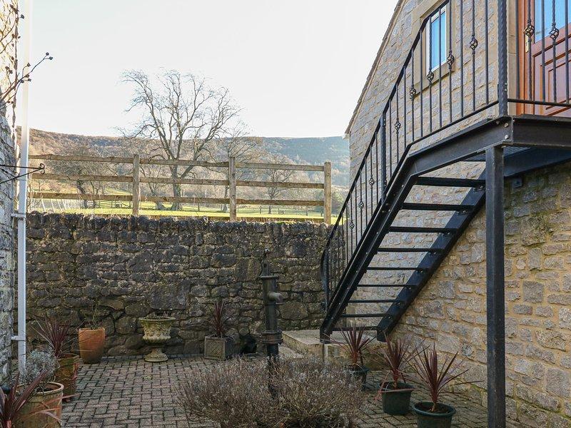 THE LOFT, studio accommodation, all first floor, romantic retreat, balcony, Ferienwohnung in Great Hucklow