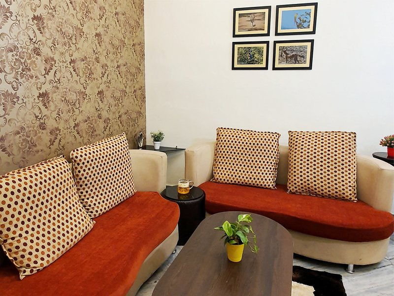 Aditya Premium HomeStay, location de vacances à Madhya Pradesh
