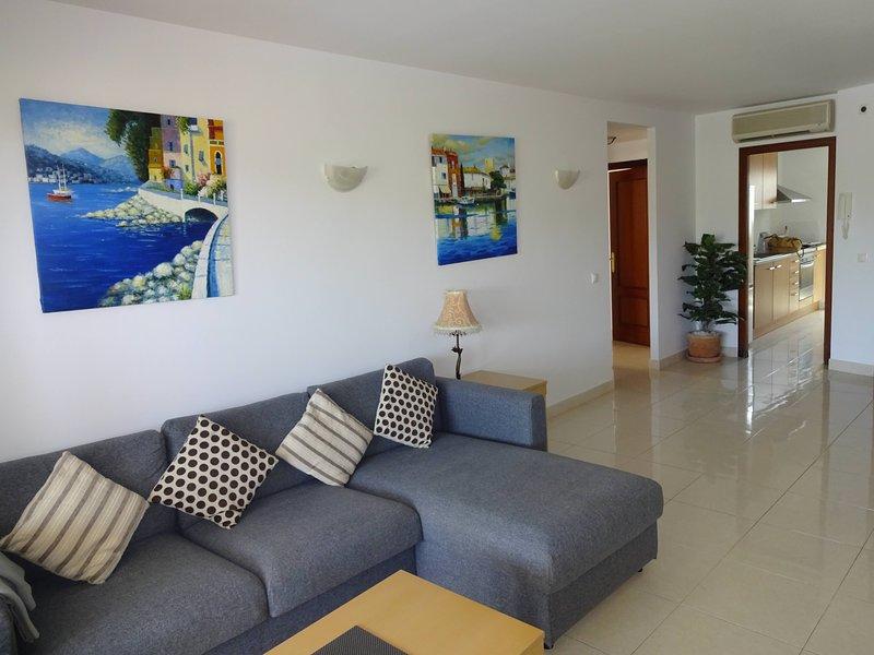 Cala Bona Rosa Sunny Apt, Pool view,  SunnyTerrace, Near Beach. Aircon/Wifi, alquiler de vacaciones en Mallorca