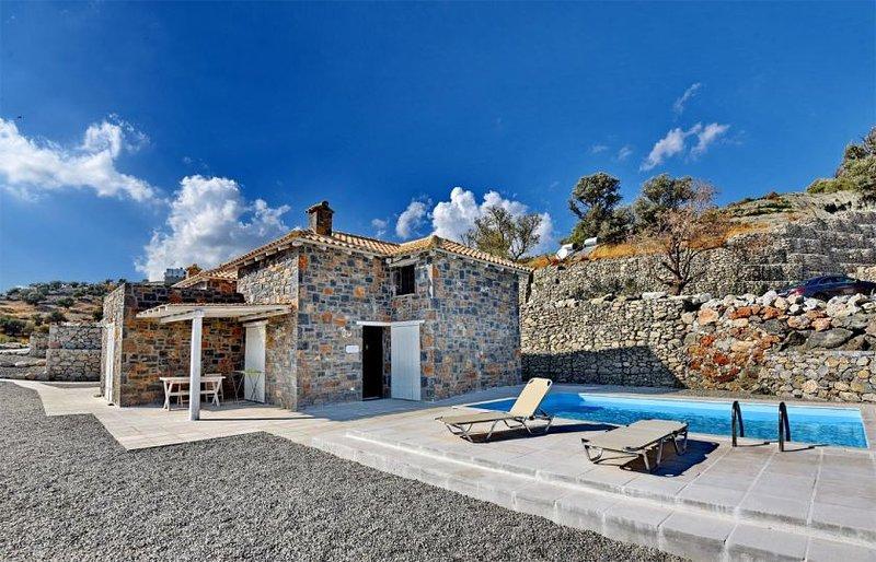 Palazzo one bedroom villa, aluguéis de temporada em Agia Paraskevi
