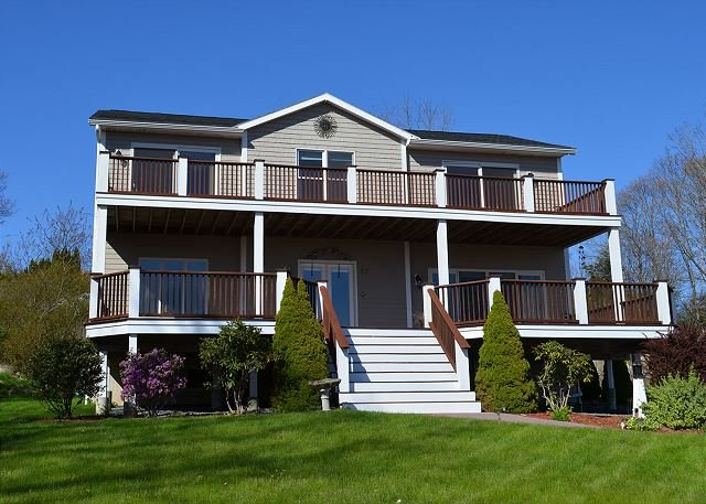 Over By Good Harbor: Phenomenal views and just 0.2 miles to the beach., holiday rental in Gloucester