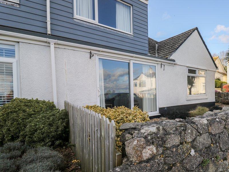 WAVERLEY, dormer bungalow, sea views, garden, in Mevagissey, Ref 23719, vacation rental in Pentewan