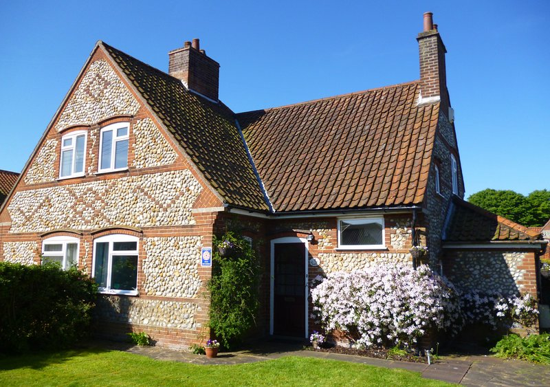 Fairstead Cottage, holiday rental in Wiveton