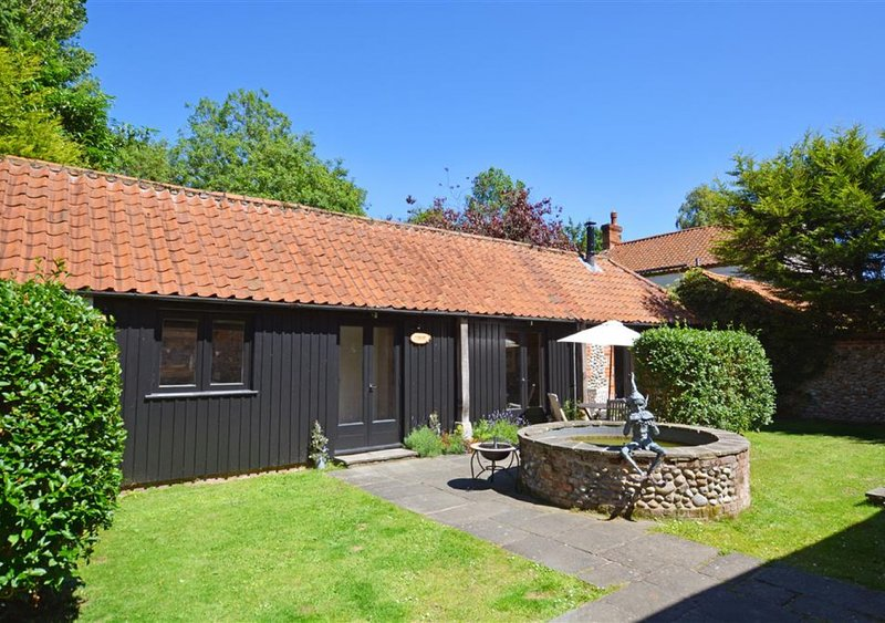 Hawthorne Cottage, holiday rental in Roughton