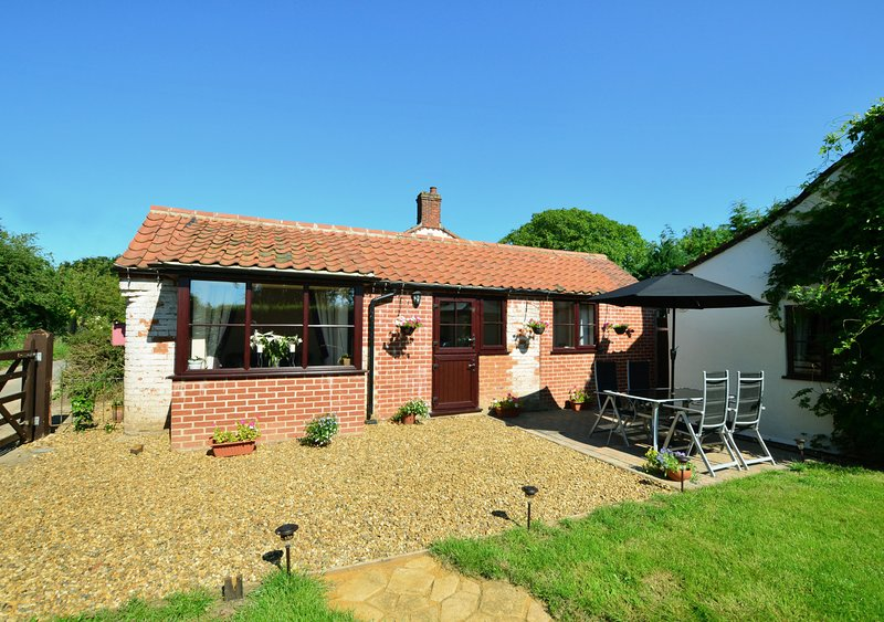 Holly Cottage, holiday rental in Itteringham