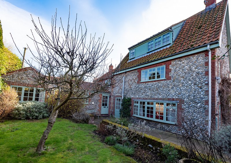 Loke House, vacation rental in Salthouse