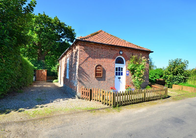 The Old Chapel, holiday rental in Itteringham