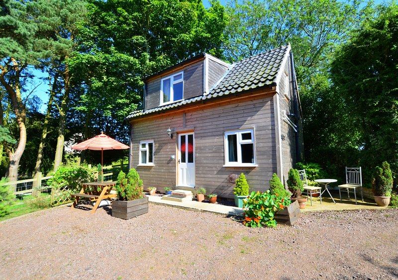 The Studio, holiday rental in Gimingham