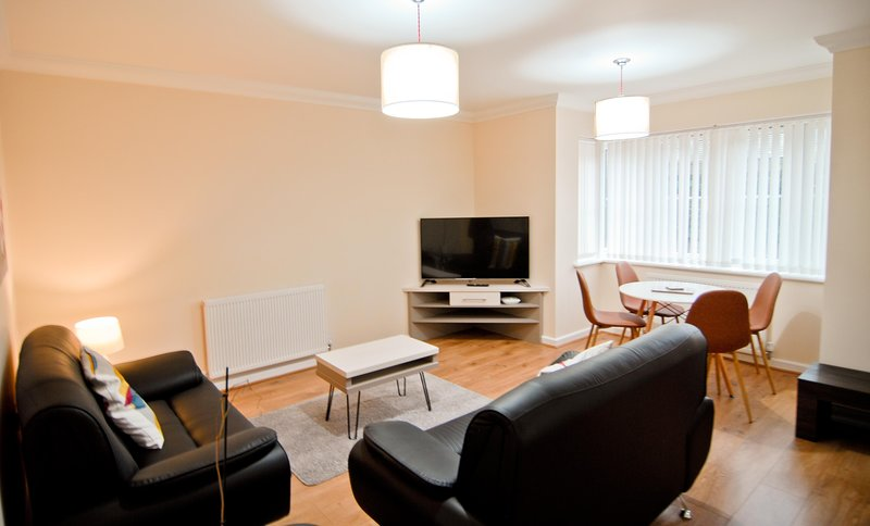 Room and Roof Southampton Apartments, holiday rental in Wellow