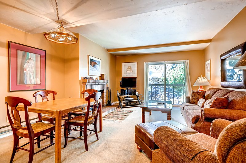 Centrally-located Park City condo w/ a shared pool, hot tub, & firepit! Chalet in Park City