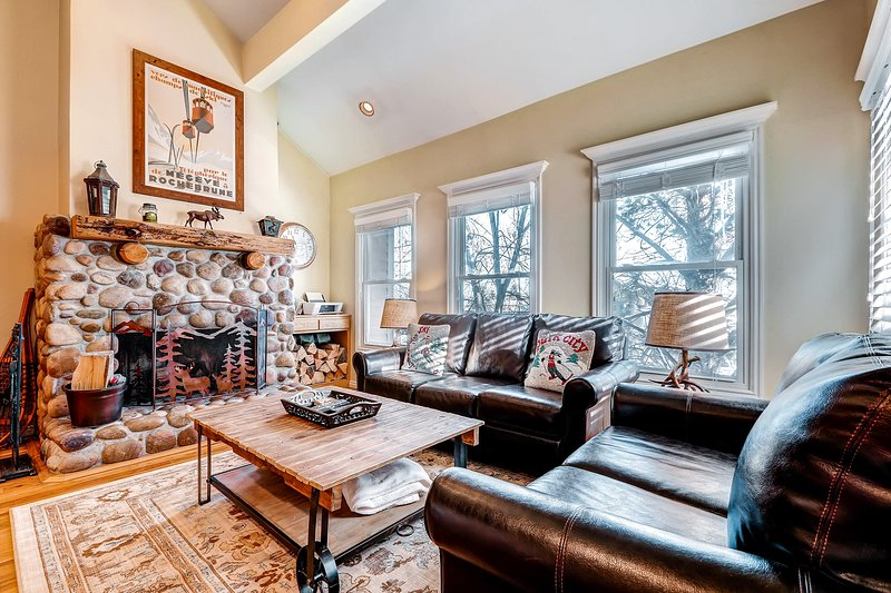 Warm up in this cozy condo - just three blocks from Park City Mountain Resort! Chalet in Park City