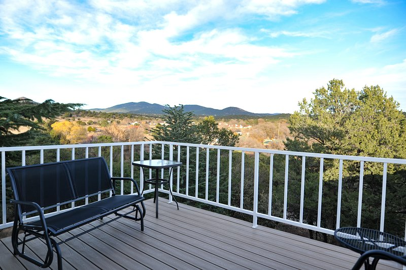 Heart and Wings Retreat Center: Raven (upstairs unit), vacation rental in Silver City