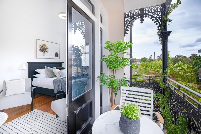 Designer Styled Studio In The Heart Of Trendy Glebe, holiday rental in Leichhardt