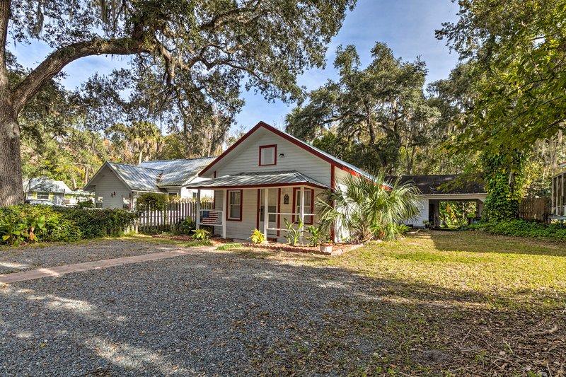 Your next getaway to 'Old Florida' begins at this Yankeetown vacation rental!