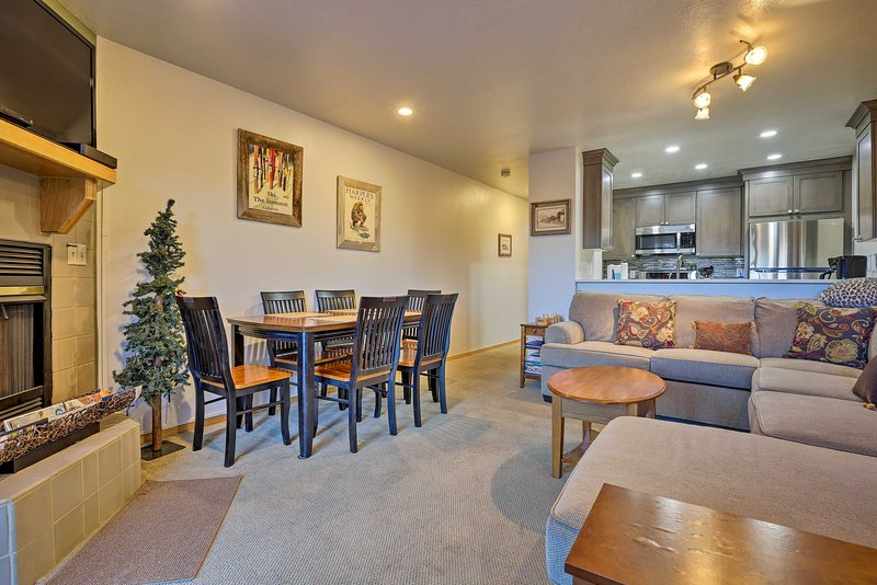 Townhome w/Lake Dillon View <1Mi to Main St Frisco, holiday rental in Frisco