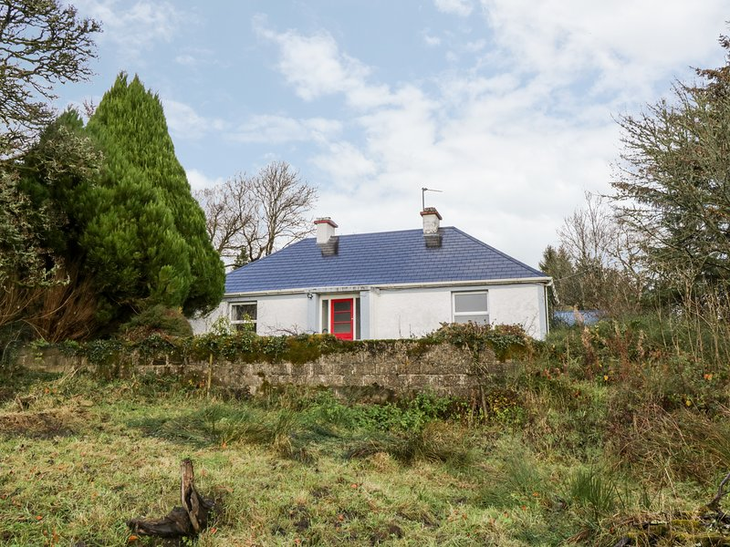 Annie's Cottage, Ballinamore, County Leitrim, holiday rental in County Leitrim