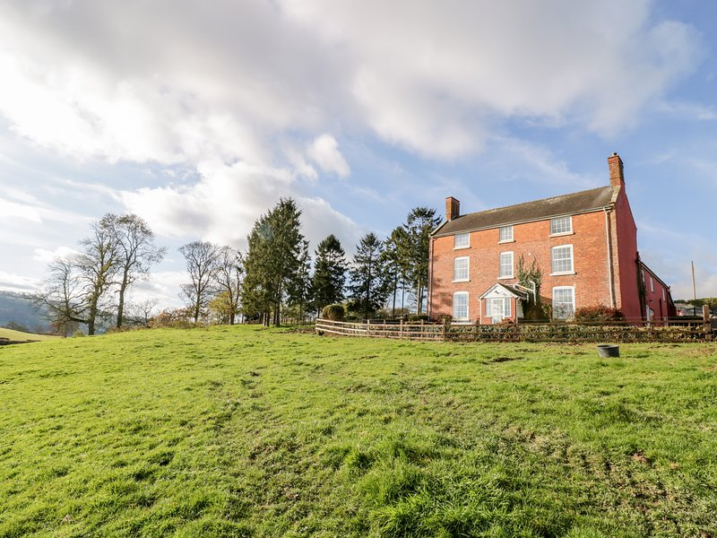 Squires Rest, Llanfair Caereinion, holiday rental in Dolanog