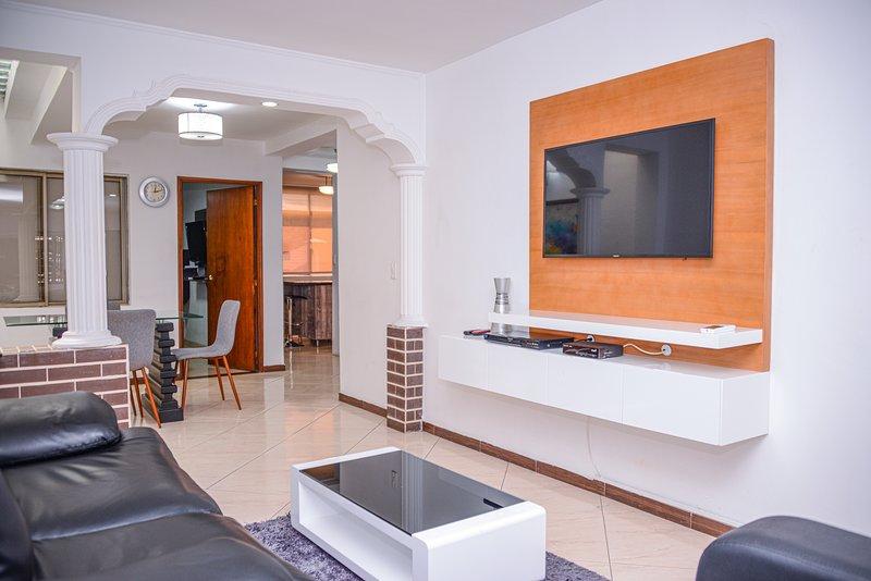 3 bedroom with AC  Lleras Terrace Hot Tub, vacation rental in San Antonio de Pereira