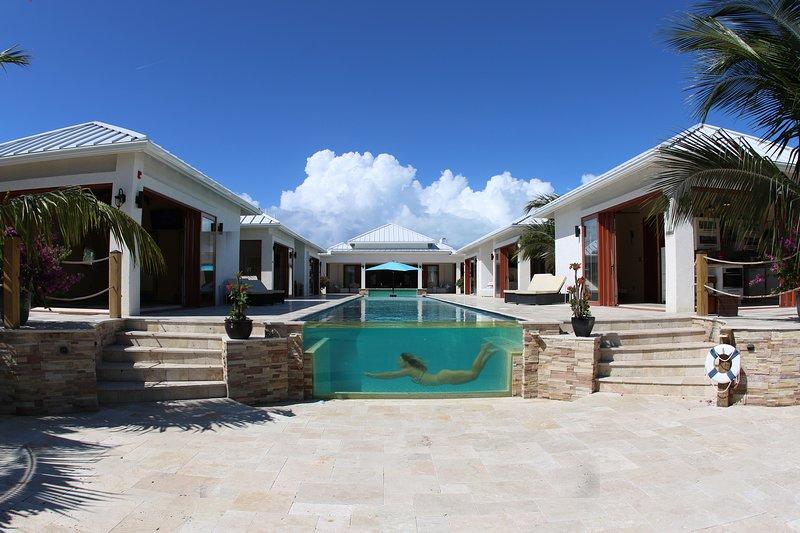 ☀️NEW! Leeward Jewel Luxury Villa!☀️, alquiler de vacaciones en Leeward