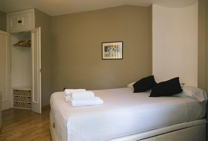 Apartamento muy luminoso en el corazón de Soria, alquiler de vacaciones en Fuentelcarro